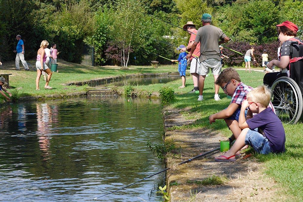 Pêche en bassins pour les enfants - Pisciculture de Villette | Pisciculture a href=